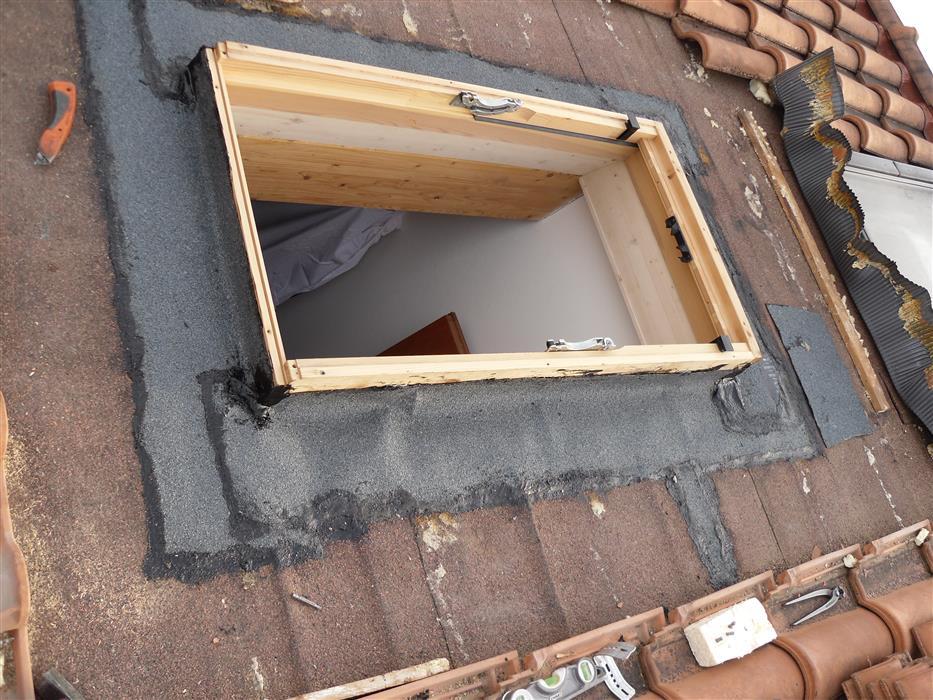 Installazione di finestre velux per tetti - Finestre sui tetti ...